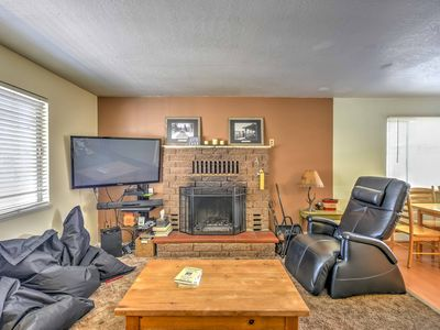 Photo for Cozy South Lake Tahoe Home - Walk to Pvt Beach!