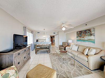Gulf-Front Vacation Getaway w/ Pool & Dazzling Water Views!