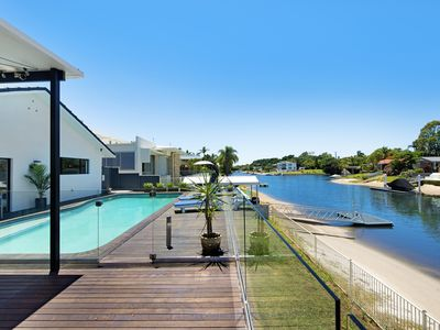 Photo for Waterfront Extravagance @ Broadbeach Waters