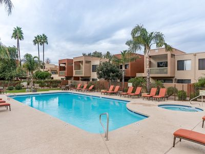 Photo for Old Town Escape - 1 BR condo in Scottsdale. Walk to Giants Spring Training.