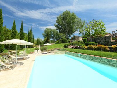 Photo for Beautiful apartment for 4 guests with WIFI, pool, TV and parking