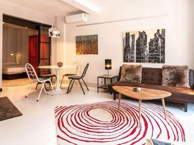 Photo for Chic Chueca apartment in Chueca with WiFi, air conditioning & lift.