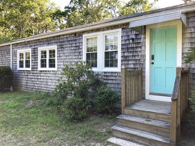 Photo for Come to Captain's Cottage, 3 bed/2bath cottage, walk to beach, AC, sleeps 7!