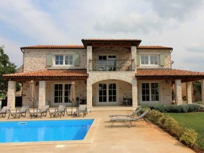 Photo for Superbe villa with private pool, fenced garden, covered terrace, volleyball, BBQ
