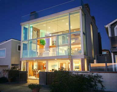 Photo for Beachfront-Luxury Glass House - Unbeatable 360° Rooftop View