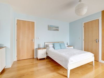 Photo for Apartment Cliff View in Swanage - 5 persons, 2 bedrooms