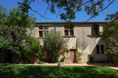 The Provençal house (south side) and the courtyard