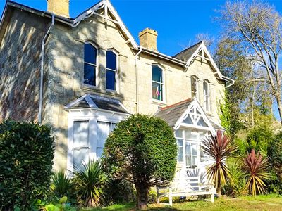 Photo for 5 bedroom Cottage in Niton - IC173