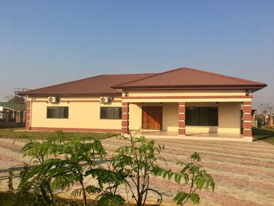 Gorgeous 3 bedroom fully furnished house in Lusaka, swimming pool, A/C, WiFi!
