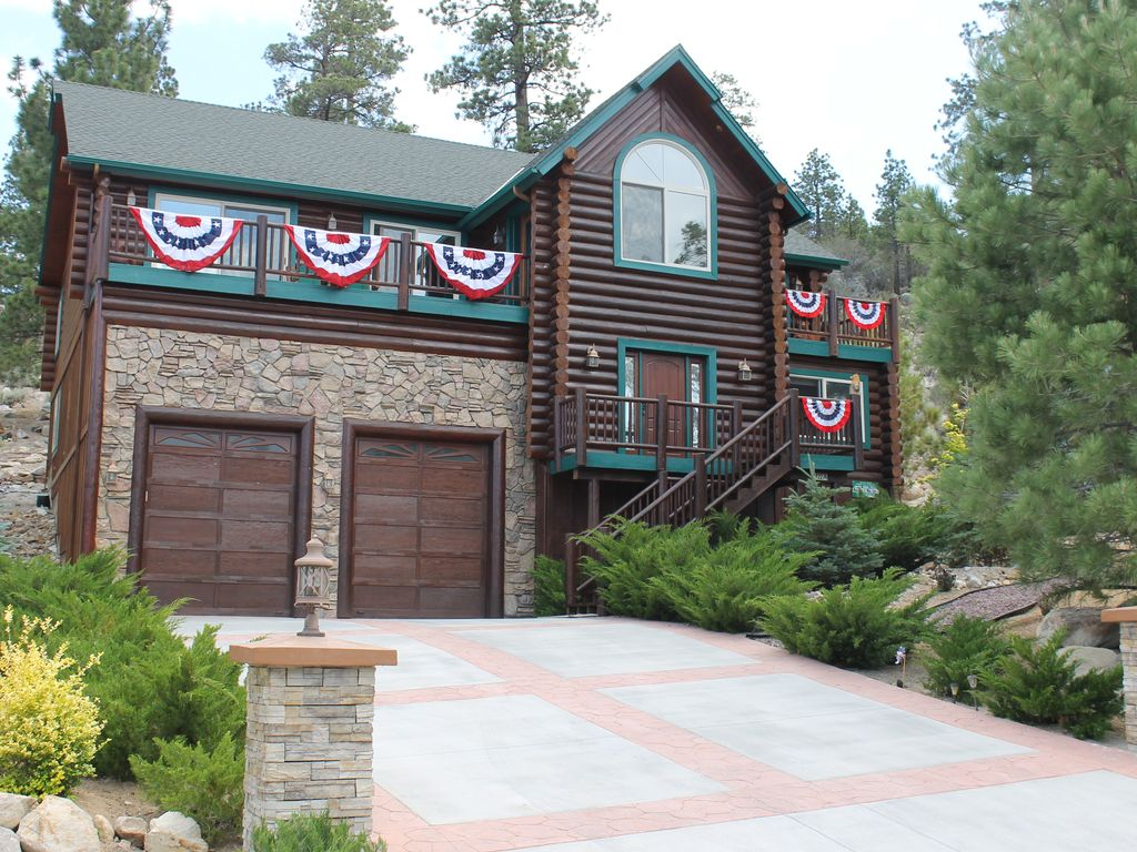 Awesome Family Getaway-Full Log Cabin