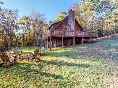 Photo for NEW LISTING! Dog-friendly family cabin with private hot tub & dock access