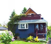 Cottage with a warm welcoming feel, right in the heart of Presqu'ile Provincial Park