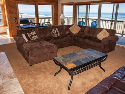 Photo for Oceanfront w/Private Beach Access and Hot Tub in Lincoln City