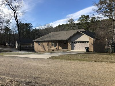 Photo for Lake Hamilton Lake Frontage 3 or 4 Bedroom Cottage with Boat Ramp (Pet Friendly)