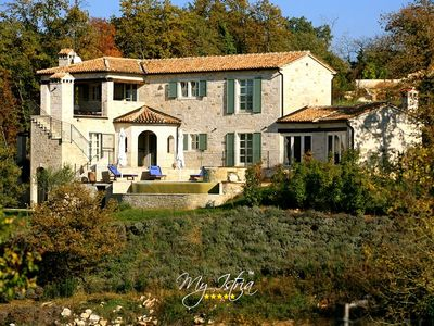 Photo for Charming Villa with heated pool in Central Istria