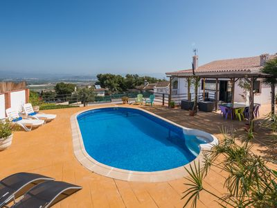 Photo for Beautiful villa with private pool and stunning views in Malaga