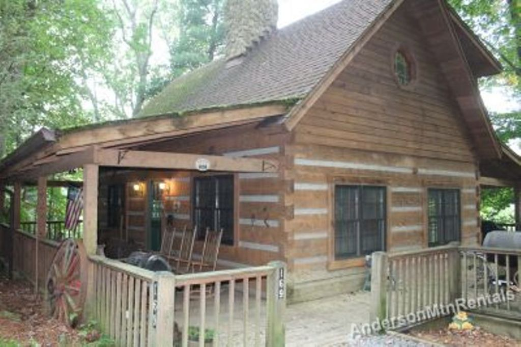 Log Cabin Centrally Location With Hot Tub Banner Elk