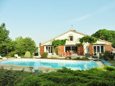 Photo for Villa with pool, close to the sea