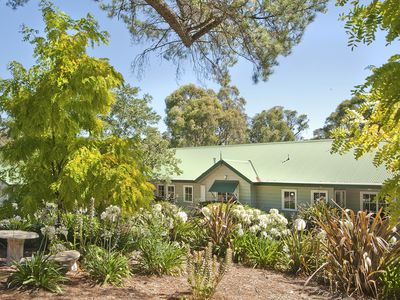 Photo for Beautiful Fully Self Contained 1 Bedroom King Spa Villa in Hepburn Springs