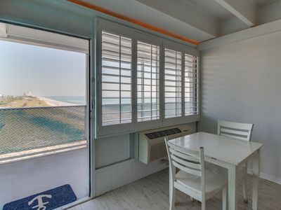 Photo for Charming condo with Gulf views and right on the beach! Snowbird rates!