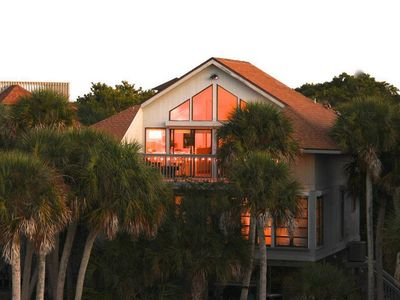 Second Star is nestled in palms and just 800' to the beach overlooking the lake!