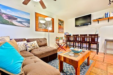 Just steps to Windansea Beach, this unit is pet friendly and perfect for a beach getaway.
