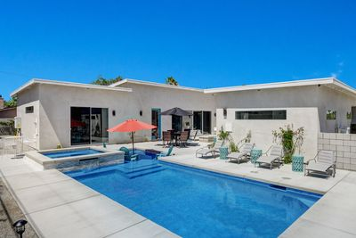 Brand New Midcentury Modern Home. Come and have the Best Vacations!