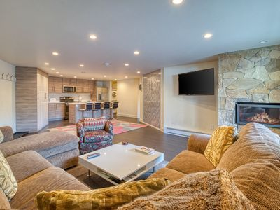 Photo for Comfy condo w/pool & hot tub-near the lifts & year-round activities