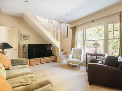 Photo for Charming Home in Leafy Parsons Green
