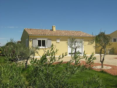 Photo for Rental of a new detached villa with views of the Luberon