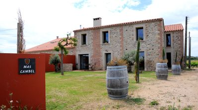 Photo for Traditional farmhouse in the heart of a vineyard with panoramic views.