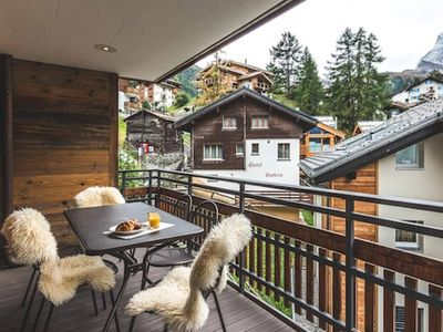 Photo for Relaxing Chalet with Amazing Massage Facilities!