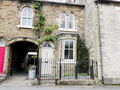 Photo for MYRTLE COTTAGE, pet friendly, with open fire in Pickering, Ref 981571