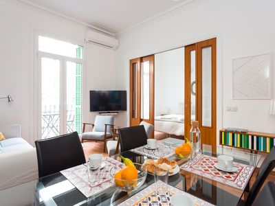 Photo for Flat w/balcony in heart of Barcelona (Eixample & Historic Center)