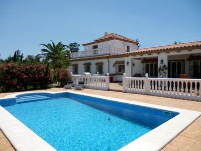 Photo for Large and comfortable villa  with private pool in Chiclana de la Frontera, Andalusia, Spain for 10 persons