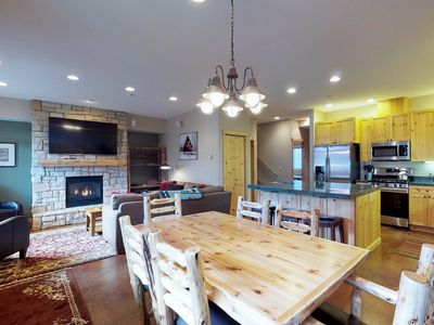 Photo for Bright condo w/shared hot tub-minutes from Warm Springs lifts