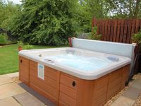 Rosewood cottage, lovely cottage loved the hot tub,our host could not be more friendly & helpful