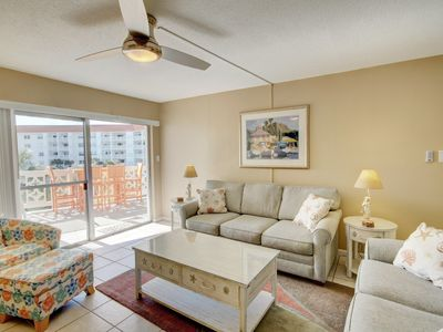 Photo for 1BR / 1BA - Centrally located with a view of the Gulf