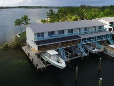 Spacious Waterfront Townhouse, With Boat Lift And Private Dock.