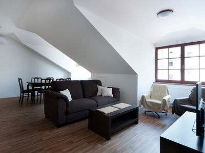 Quiet Apartment family-friendly with AC near the city center 2