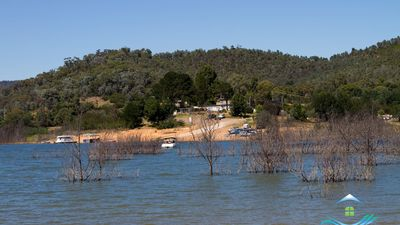 Photo for Chalet By The Bay - Goughs Bay, only 35 minutes to the entry gates of Mt Buller