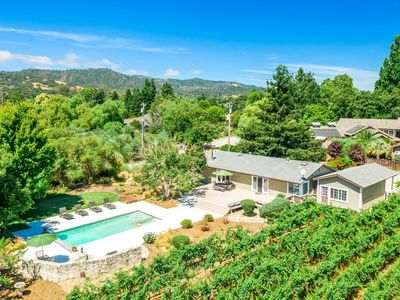 Photo for 5 Bedroom, 3 Bath(Sleeps 10) with pool spa. Mountain and vineyard views.