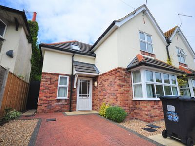Photo for Eastcliff House -  a semi-detached house that sleeps 5 guests  in 3 bedrooms