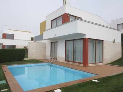 Photo for Bom Sucesso / Lagoa de Óbidos - Fabulous V3 / 6 PAX Villa with Private Pool