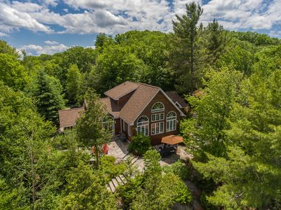 Photo for Vantage Point~Lovely 4 bed, 2.5 bath with fabulous views of Lake of Bays!