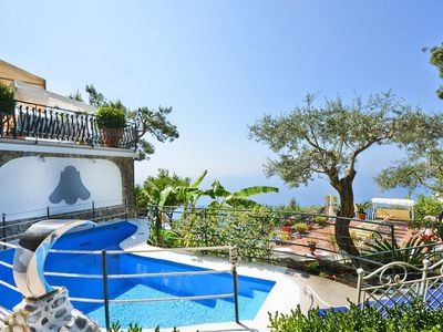Photo for 4 bedroom Villa, sleeps 8 in Positano with Pool, Air Con and WiFi