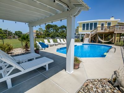 Photo for Happy Crab   1373 ft from the beach   Dog Friendly, Private Pool