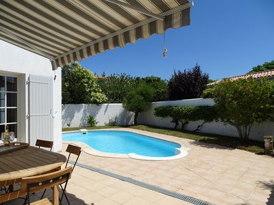 Photo for Beautiful villa type 5 with pool and close to the beach