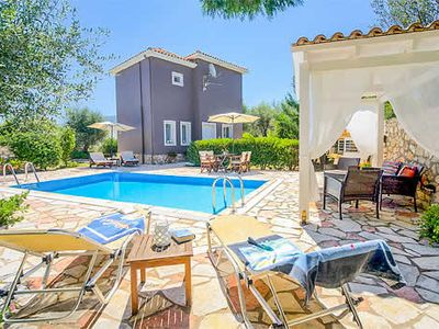 Photo for 1 bedroom villa with lovely gardens, a ten minute walk to restaurants, a mini-makret and the beach. Romantic hideaway with good sized pool, pretty and charming.
