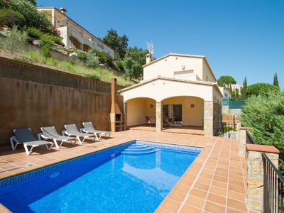 Photo for Club Villamar - Lovely house with private swimming pool and impressive sea views